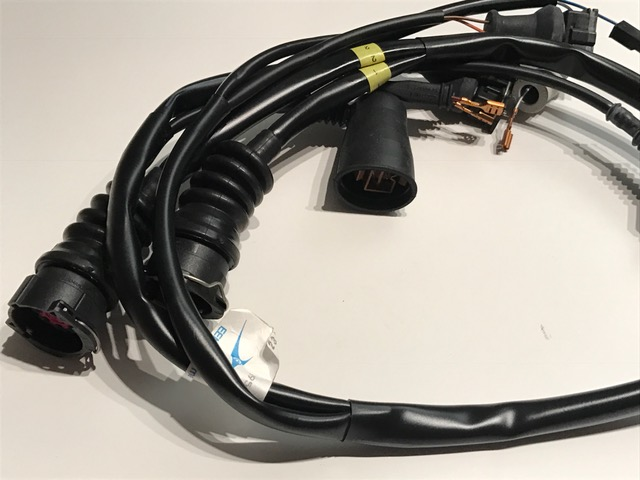 lspeed racing zusatzkabelbaum motronic audi 5 zylinder. Black Bedroom Furniture Sets. Home Design Ideas
